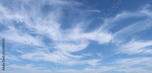 Vászonkép Cielo e nuvole in autunno