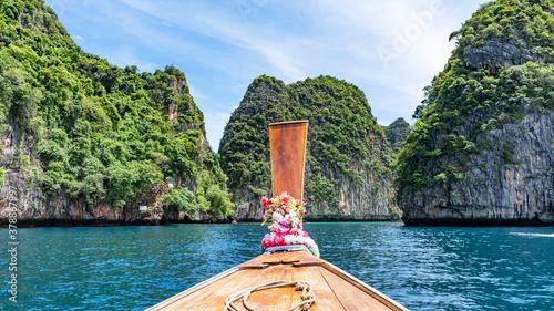 Tela Traditional longtail boat with beautiful scenery view Loh samah bay Phi Phi island Beautiful island in Thailand