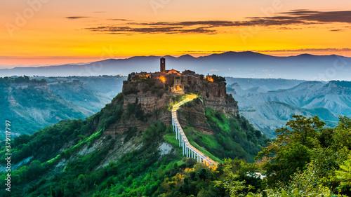 Fotografía View of Civita di Bagnoregio, Lazio, Italy