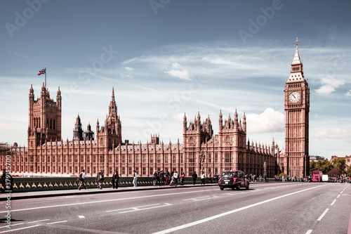 Valokuva Big Ben, Houses of Parliament and Westminster bridge on Thames river