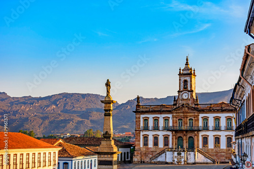 Fotografia Ancient Ouro Preto central square with its historic buildings and monuments in 1