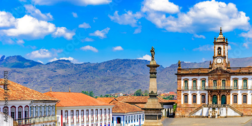 Obraz Ouro Preto central square with its historic buildings and monuments in 18th century Baroque and colonial architecture - fototapety do salonu