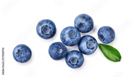 Fényképezés Fresh blueberries with bluberry leaves isolated on white background