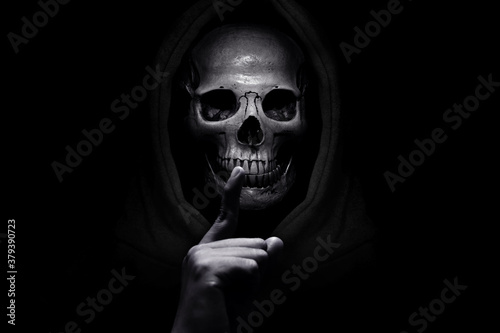 Photo Grim reaper on dark background