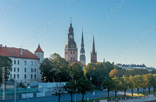 Foto Churches in historical district of Riga - the capital city of Latvia, it offers
