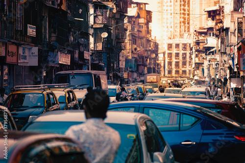 Naklejka premium Zatłoczone ulice Bombaju