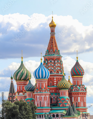 Slika na platnu Saint Basil's Cathedral (the Cathedral of protecting veil of the most holy Mother of God on the moat)  was built from 1555 to 1561 by order of Tsar Ivan IV the Terrible