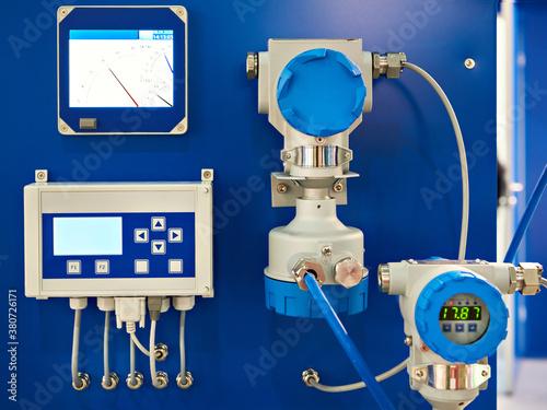 Billede på lærred Electronic digital pressure gauge and water flow calculation equipment