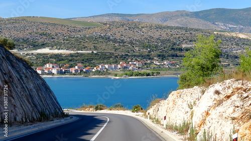 Blick von Strasse auf Adria in Kroatien. Insel Ciovo Canvas Print