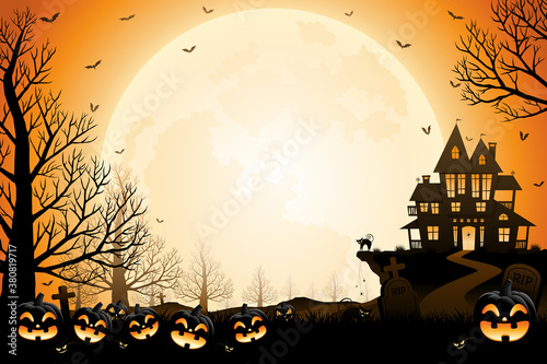 Photo Halloween pumpkins, spooky trees and haunted house with moonlight on orange background
