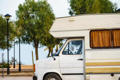 Camper rv on beach Slika na platnu