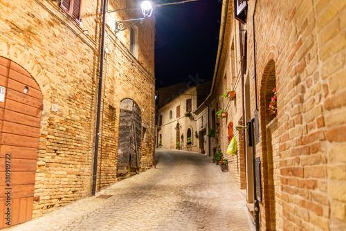 Montecosaro Marche borgo
