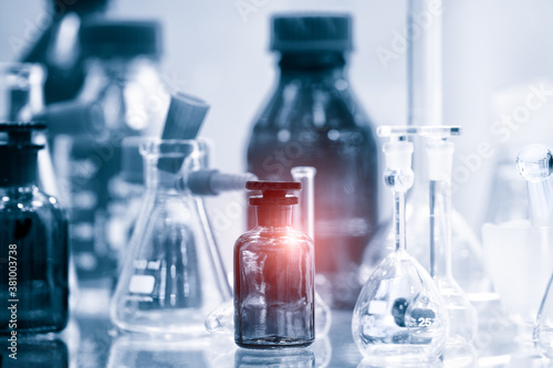 Foto Glass laboratory chemical test tubes with liquid for analytical , medical, pharmaceutical and scientific research concept