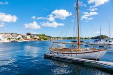 Anleger Im Grimstad Hafen