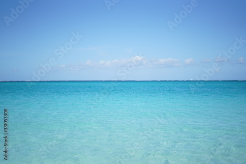 Cuadros en Lienzo カリブ海の透き通った空と海