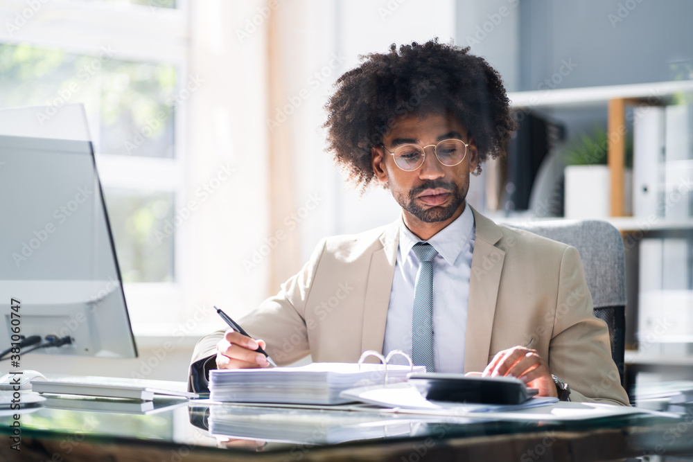 Fototapeta African American Accountant Manager Doing Accounting