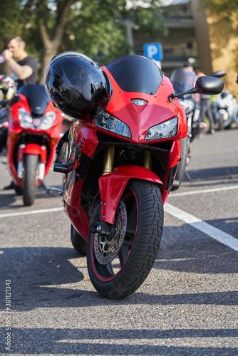 Photo vertical photo of modern sportbike