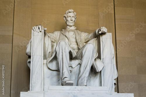 Obraz na plátně Abraham LIncoln statue inside Lincoln Memorial, built to honor the 16th Presiden
