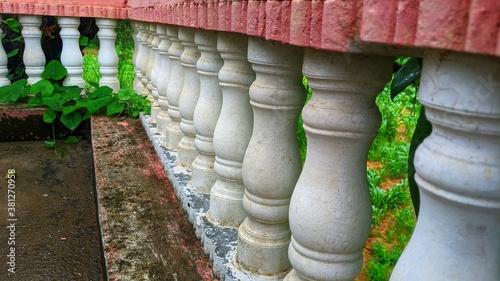 Fotomural White balusters stone railing