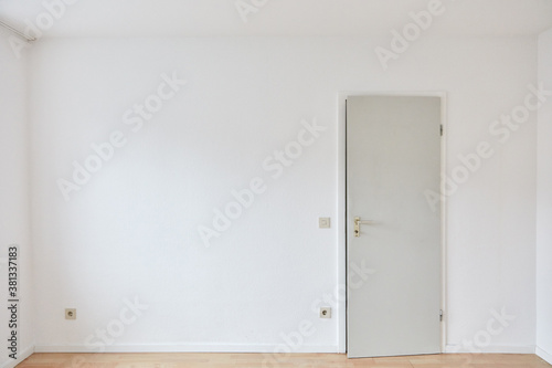 Cuadros en Lienzo Door in wall in empty room as a bedroom or office