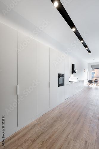 Obraz na plátně Long apartment corridor
