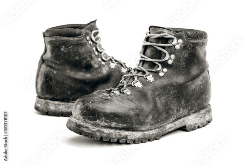Photo old mountain dirty boots