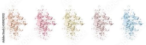 Fotomural Cosmetic or make up powder samples isolated on white.