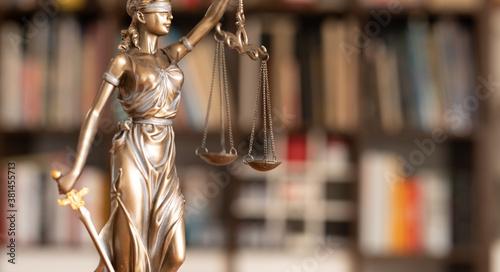 Fotografía law symbol statue justice and order