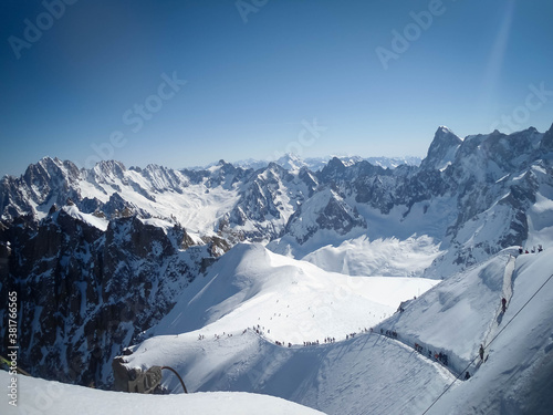 Fototapeta People in the Vallee Blanche, Chamonix, France, Full of skiers in the valley, to
