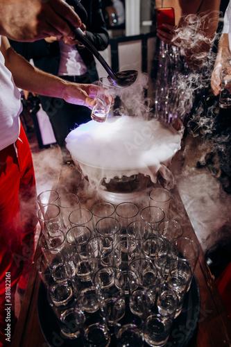 Obraz na plátně Glass, liquid nitrogen cocktails, smoke coctails, smoke drinks, coctail, coctail