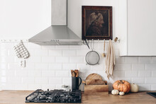 Modern Eclectic Kitchen Interi...