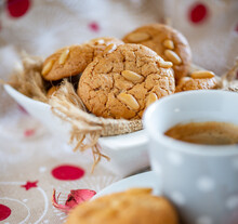 Delicious Pine Nut Biscuits