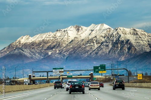 Valokuva Provo, Utah,  Interstate Highway 15 in Provo, Utah with Mt Timpanogos in backgro