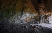 Wonderful Open Limestone Cave ...