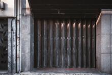 Garage Or Entrance Closed Meta...