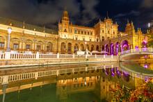 Renaissance Building In Plaza ...