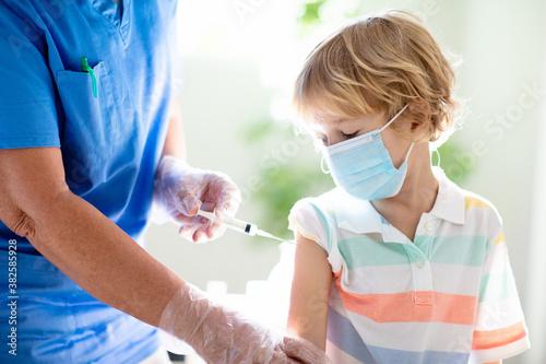 Valokuvatapetti Coronavirus vaccination. Covid-19 vaccine.