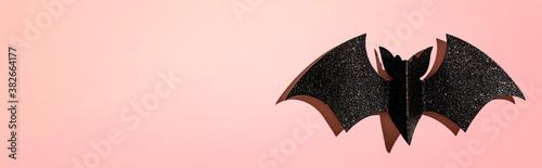 Fotografia Halloween paper bat - overhead view flat lay