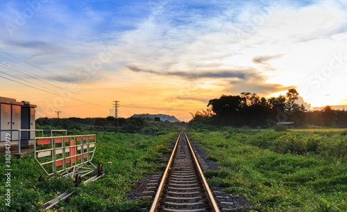 railway and the sunset Fotobehang