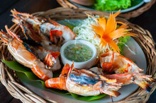 Grilled Shrimp In Wicker Baske...