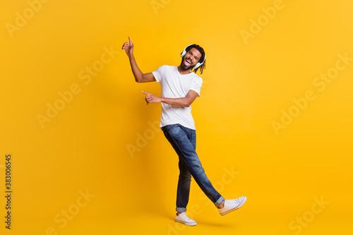 Fotografie, Obraz Full length photo of young black guy direct finger up open mouth wear headphones