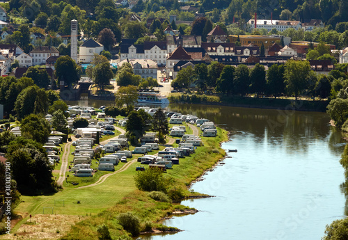 Aerial view of a campground with many caravans at a loop of the Weser in the Wes Fototapete