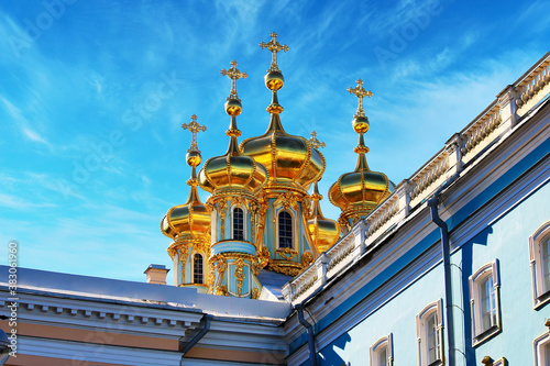 Fotografie, Tablou Golden Cupola closeup Church in the Catherine Palace in the town of Pushkin