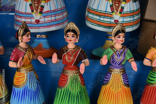 Photo Thanjavur Indian bobblehead or roly-poly puppet doll