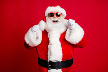 Portrait Of His He Nice Handsome Cheerful Cheery Lucky Bearded Santa Father Having Fun Celebrating Season Sale Fairy Christmastime Isolated Bright Vivid Shine Vibrant Red Color Background