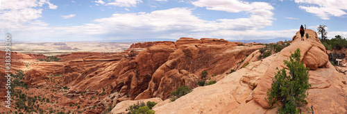 Foto Arches National Park, Moab, Utah, USA: panoramic view on the primitive trail