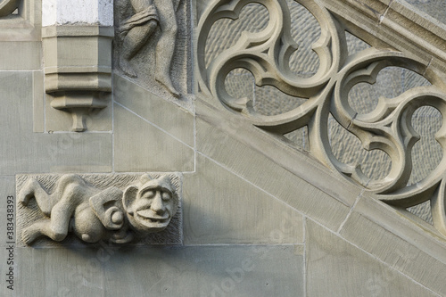 Papel de parede sculptures on the facade of the Town hall of Bern, Switzerland