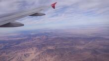 Flug über Die Wüstenlandscha...