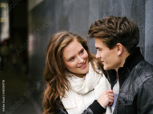 Fototapeta Young couple in love obraz