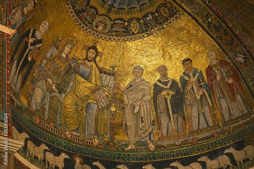 Fotografía Basilica of Santa Maria in Trastevere,  detail of the golden mosaic decoration